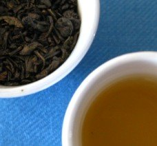 Gunpowder Tea: leaves and tea